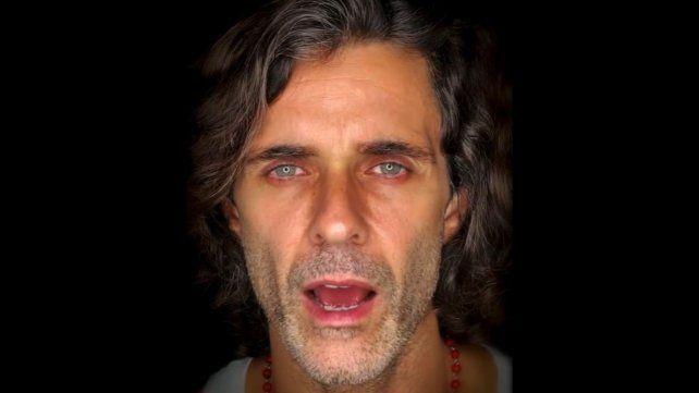 Mariano Martínez reapareció con un cover de Cerati y el público lo abucheó