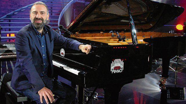 Durante su carrera colaboró con Pat Metheny y Caetano Veloso.
