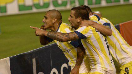 Zabala, Vecchio y Ruben buscarán desplegar esta noche un buen repertorio técnico en Paraguay.