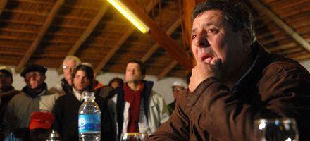 De Angeli: Si el Gobierno no va a la reunión el pueblo lo condenará