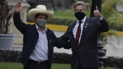 Pedro Castillo, ya como presidente electo, fue recibido esta semana por el jefe de Estado interino, Francisco Sagasti.