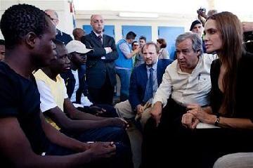 Angelina Jolie visitó a los refugiados que huyeron de Libia y Túnez