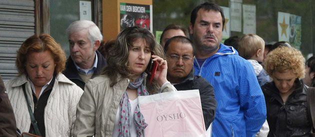 Con una economía en retroceso las perspectivas laborales de los españoles también disminuyen.