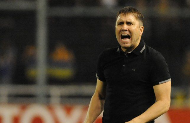 De común acuerdo. El club anunció la salida de Chacho por los malos resultados del equipo tijuanense.