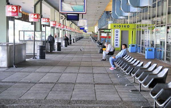 Pocas personas ayer en la estación de ómnibus de Buenos Aires