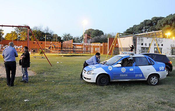 Los policías llegaron para recoger pruebas. El acto en conmemoración del 24 de marzo