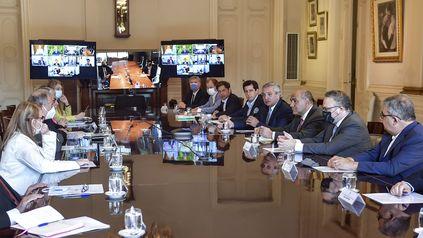 El presidente Fernández recibió a los gobernadores en Casa de Gobierno.