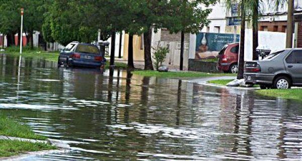 Temporal en Santa Fe, con fuertes vientos y 240 milímetros de agua caída