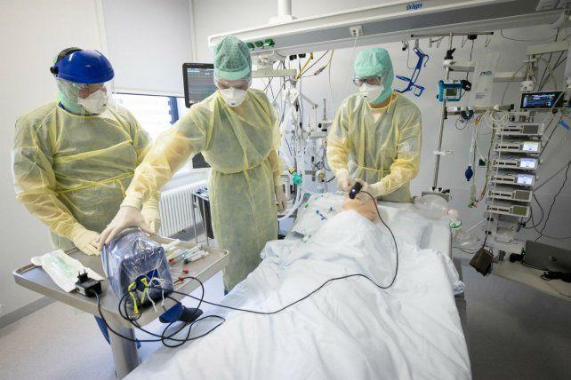 Otras 214 personas murieron y se suman 8.159 nuevos contagios de coronavirus