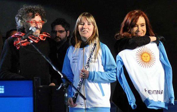 Fito Páez en los festejos por los 400 años de la Universidad Nacional de Córdoba junto a Cristina.