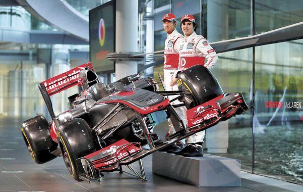 El MP4-28 vio la luz ayer con sus pilotos Jenson Button y la nueva adquisición