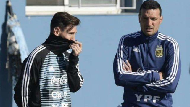 Messi y Scaloni aguardan las decisiones institucionales para meterse de lleno en las eliminatorias.