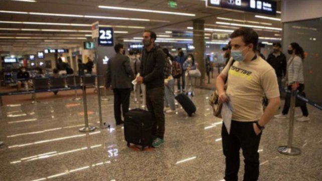 Aún con restricciones, Argentina recibirá turistas de países limítrofes