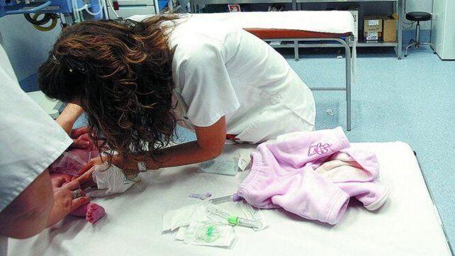 Bronquiolitis. Los pediatras recomiendan la lactancia materna.