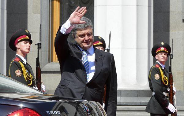 Difícil misión. El presidente Poroshenko debe intentar unificar Ucrania y sacarla de la grave crisis económica.