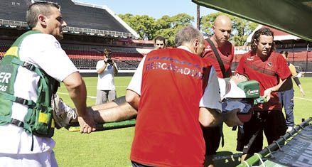 Newells: Martino mete mano en el equipo