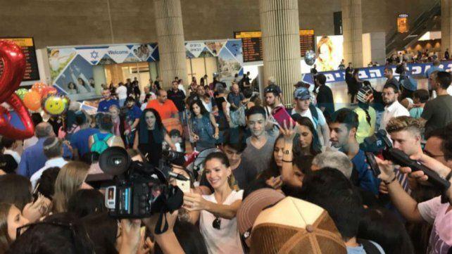 Furor por la China Suárez en Tel Aviv donde tuvo un gran recibimiento de sus fans