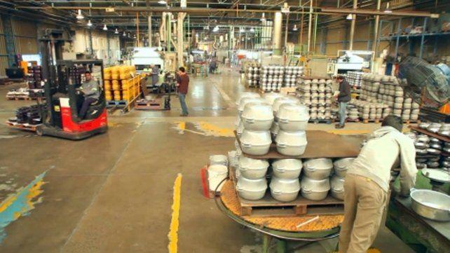 Ollas. Desde Venado Tuerto la fábrica Essen vende a Latinoamérica.
