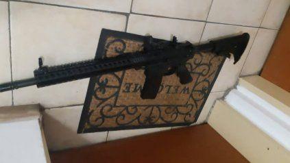 El fusil descartado por Roberto Segovia cuando se dio cuenta que iban a detenerlo.