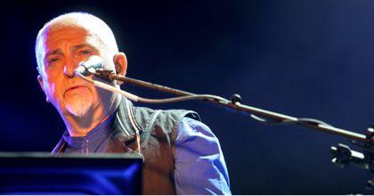 Peter Gabriel hizo bailar a 35 mil personas en el estadio de Vélez