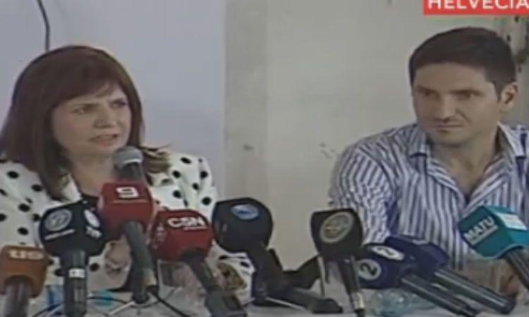 La ministra Patricia Bullrich brinda una conferencia de prensa junto al ministro de Seguridad de Santa Fe