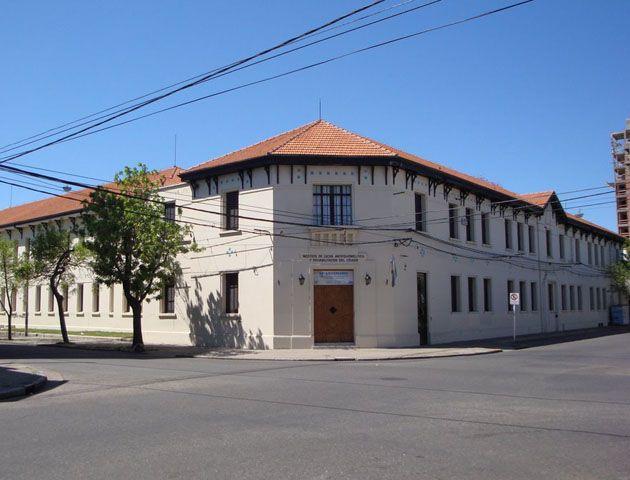 La histórica institución de Ocampo y Paraguay. El robo ocurrió esta madrugada.