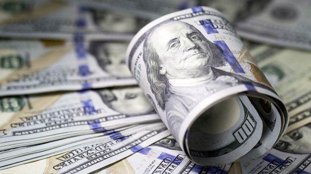 El dólar se disparó y alcanzó el récord de 19.46 pesos