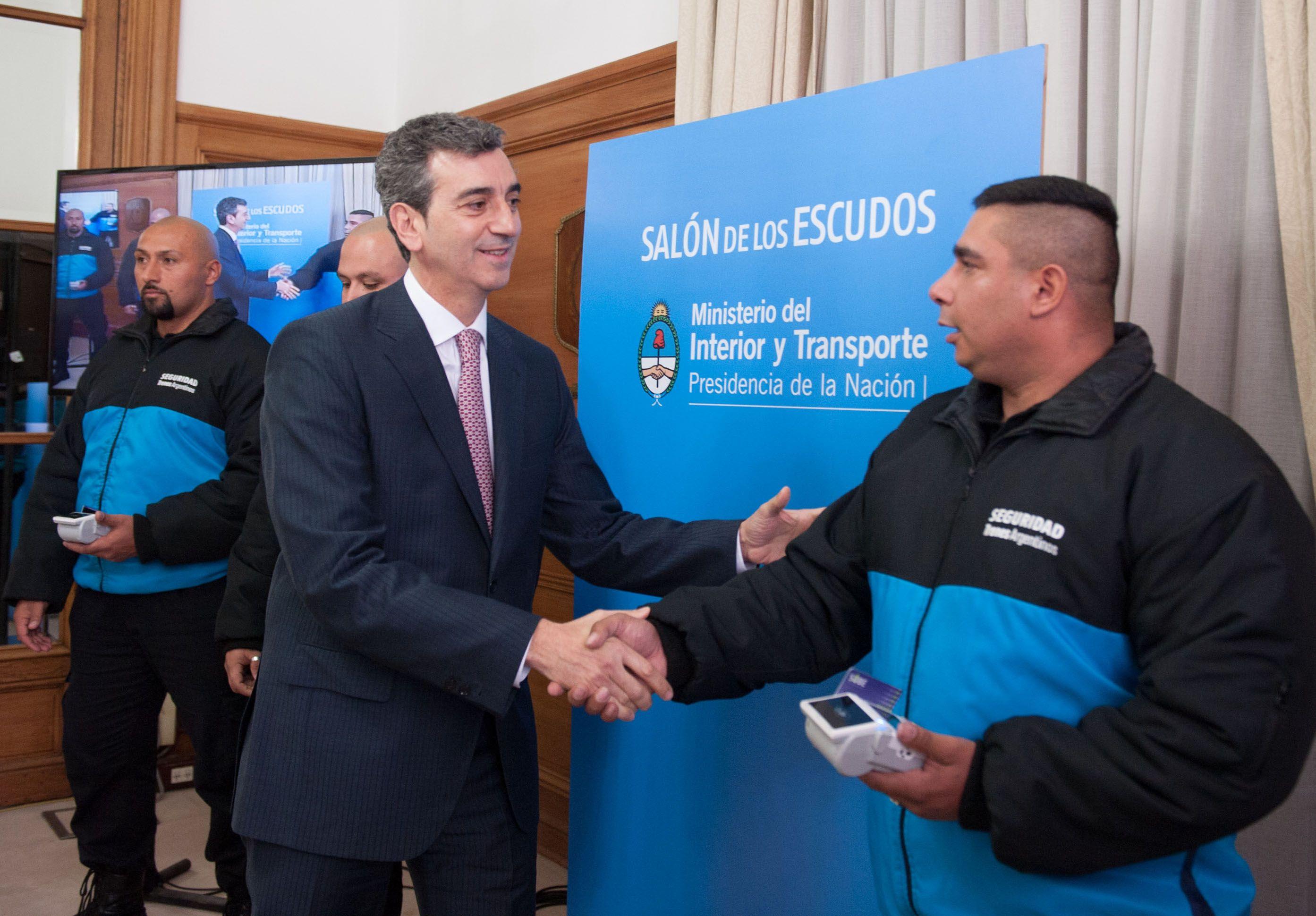 El ministro del interior y Transporte Florencio Randazzo presentó hoy las nuevas medidas de seguridad para la línea Sarmiento