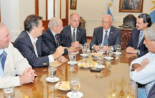 Bonfatti presente. La mesa de enlace le transmitió que el interior necesita de gobernadores con autonomía.
