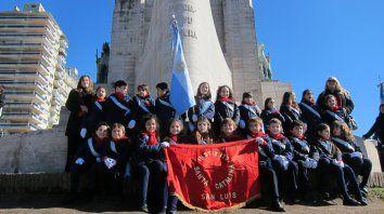 Los primeros. Los alumnos del Instituto Santa Catalina de San Luis inauguraron, para el país, la promesa en Rosario.