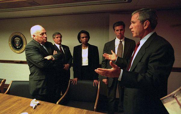 Desconcierto. Bush conversa con su vice