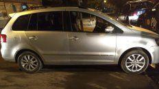 Un joven que viajaba en el VW Suran fue asesinado este jueves por la noche en Presidente Quintana al 2000. (Foto: @joseljuarezJOSE)