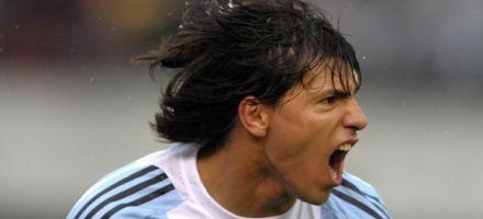 Con mucha actitud, Argentina  le empató a Paraguay  con uno menos
