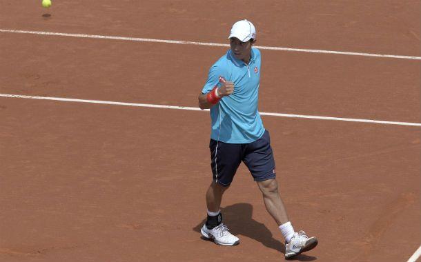 Avanza. El tenista japonés ganó en los cuartos de final por 6/2