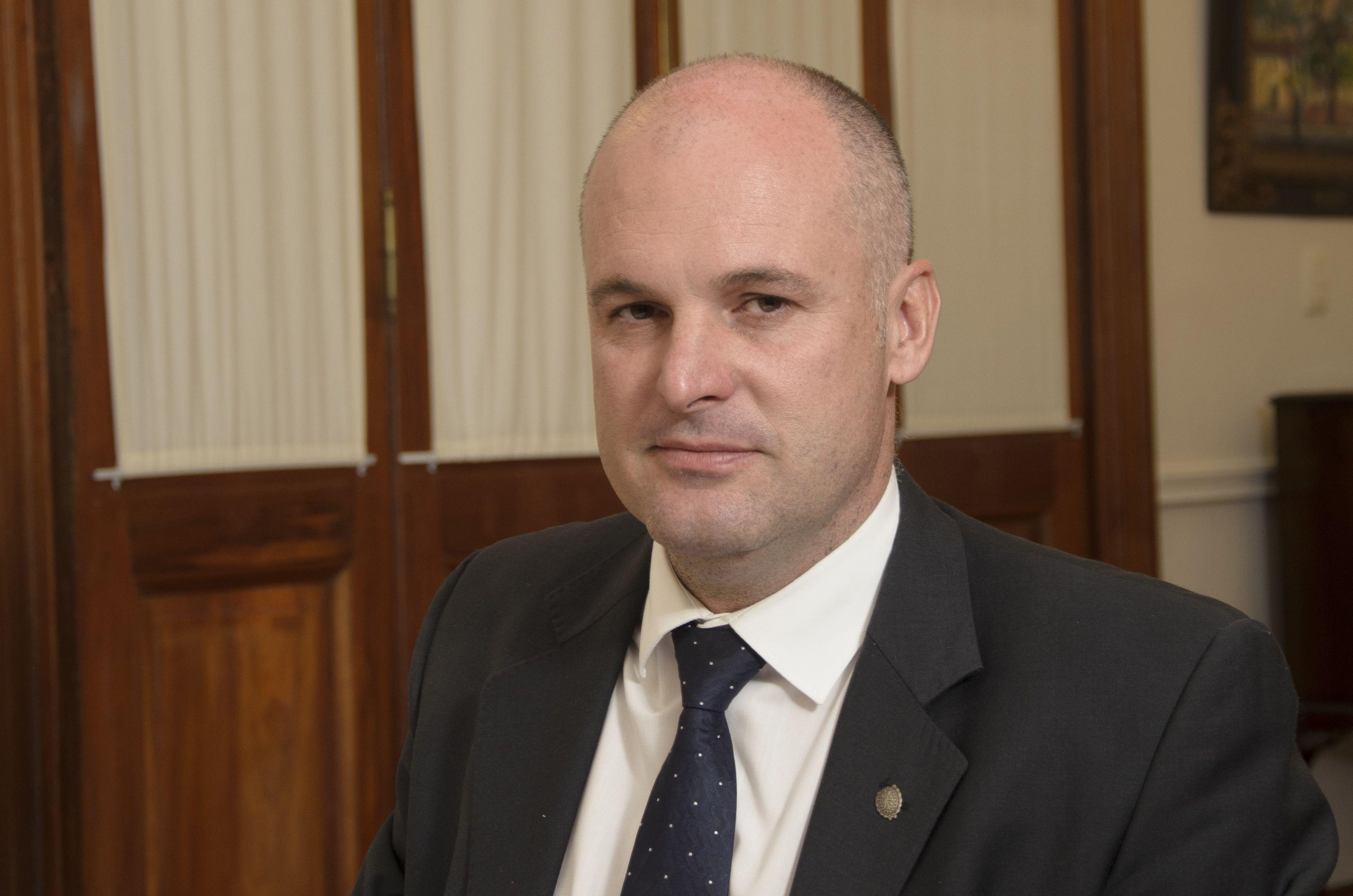 El vicegobernador Jorge Henn respondió con dureza a Ganón.