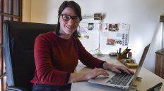 La pandemia amplió desigualdades de género, por eso las mujeres encontraron en las nuevas tecnologías un espacio para organizarse e incorporarse a un mercado de trabajo dinámico y en plena expansión, explica Paula Coto directora de Chicas en Tecnologia CET. Ciberfeminismo