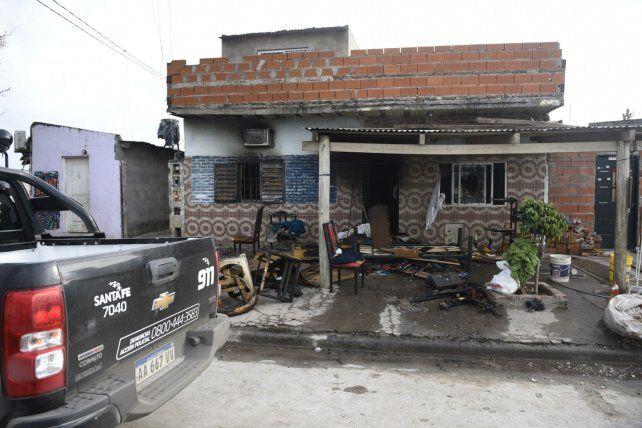La casa de la agresora fue incendiada por allegados a los Cantero