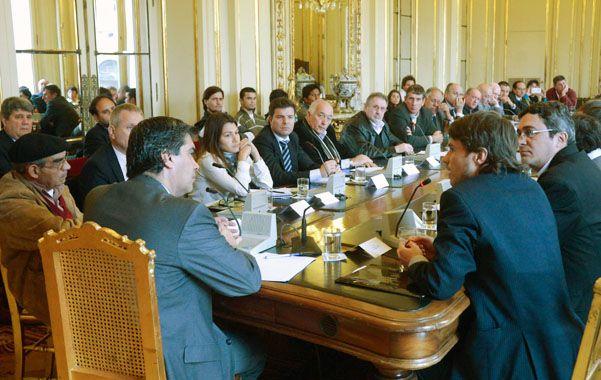 Consenso. Capitanich y Costa se reunieron con empresarios para analizar la ley de Abastecimiento.
