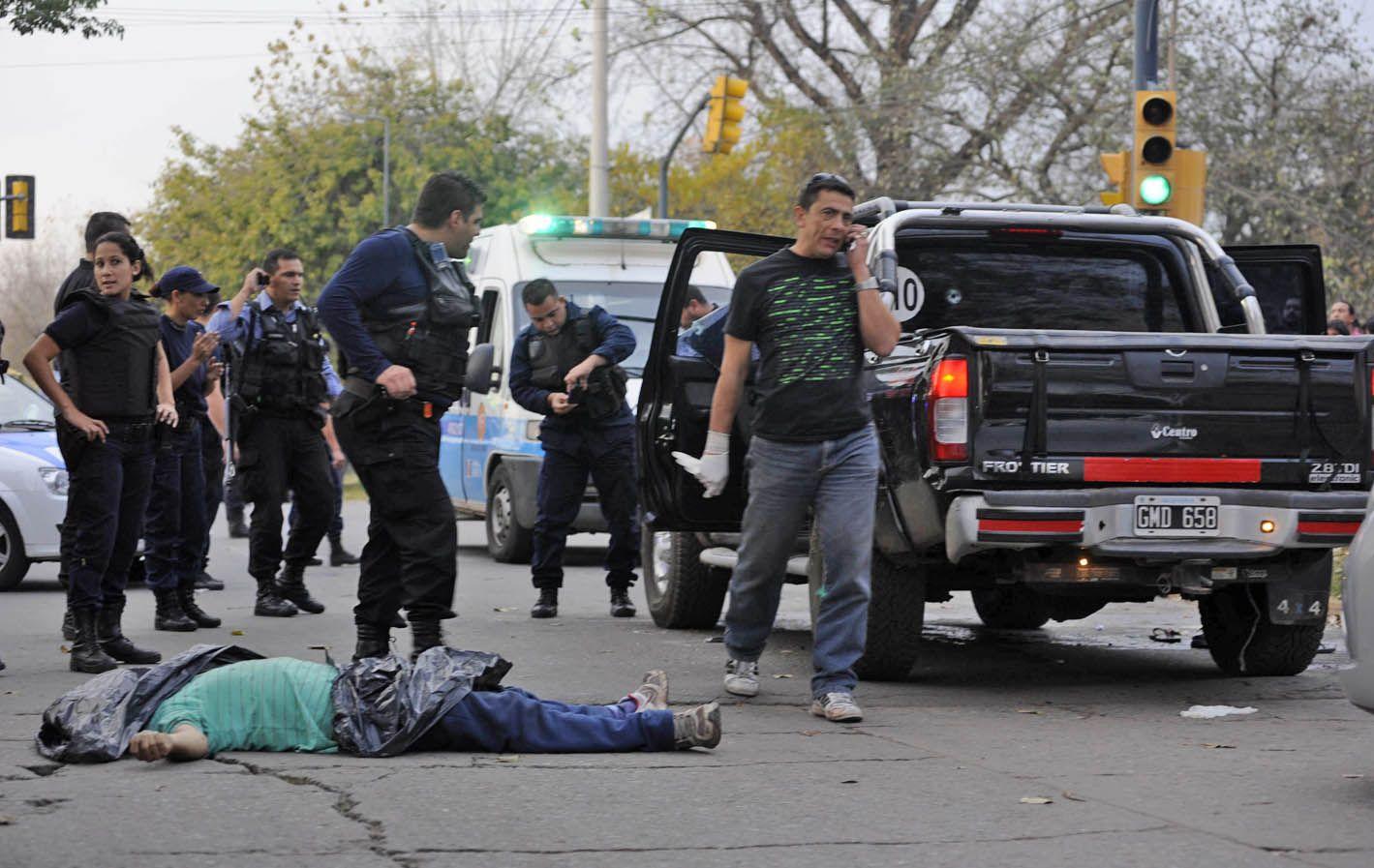 El sargento Maciel le avisó a Monchi Cantero el resultado del ataque cometido en Francia y Acevedo. (Foto: Toriggino)