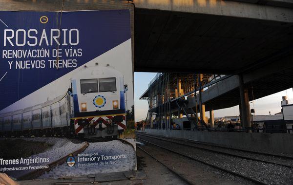 Randazzo estará aguardando la llegada del primer tren en la estación Rosario Sur. (foto: Héctor Rio)