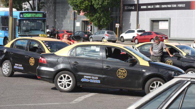 La peor noticia. Compañeros del taxista asesinado