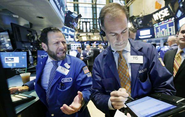 nervios. Los inversores en Nueva York acusaron el impacto de la desaceleración de la economía global.
