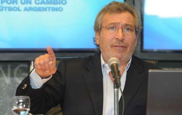 Vila analizó la falta de apoyo de los clubes.