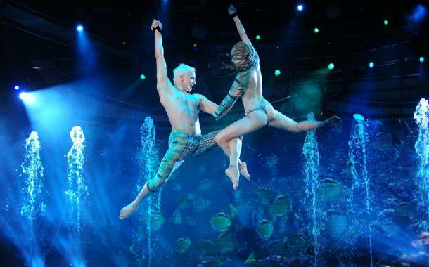 Flavio Mendoza y Gisela Bernal sobrevuelan el escenario mientras despliegan su talento en complejas coreografías.