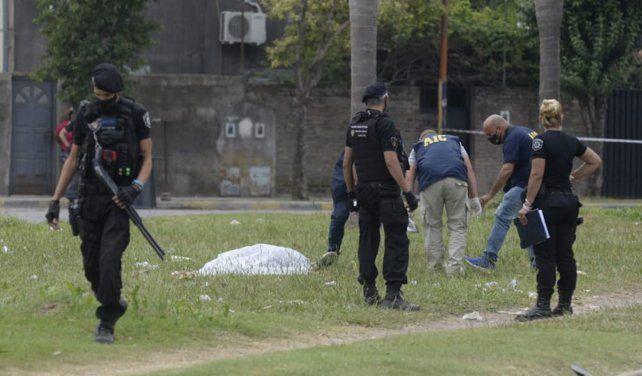 El cuerpo de Marcelo Procopp quedó tendido sobre el cantero de la avenida.