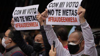 Una marcha a favor de Keiko Fujimori en Lima. La disputa postelectoral no cede en el Perú.