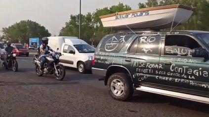 Una caravana recorrió Rosario para pedir la reapertura de actividades náuticas