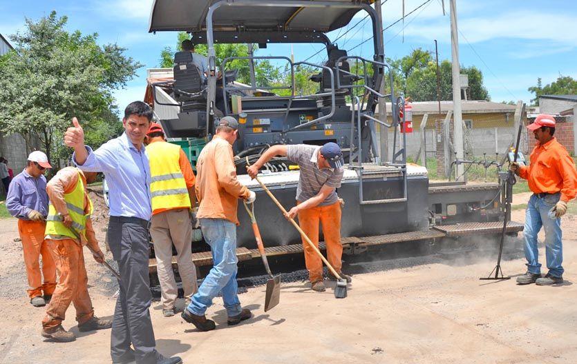 Todo ok. Ramos recorrió las obras en barrio San Fernando.