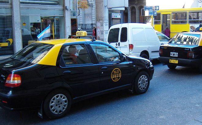 Los taxistas se quejan de una baja importante de usuaruios.