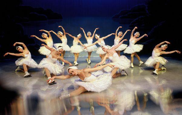 Despliegue mágico. 40 bailarines interpretarán este clásico de la danza con vestuario y escenografía impactantes.
